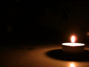 candle-light-1421222-640x480